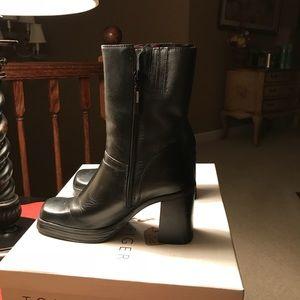 Tommy Hilfiger Boots size 6.5M